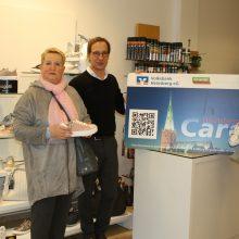 Neue Schuhe und viele Bonuspunkte – Marion Harren ist Punktekönigin der HeinsbergCard