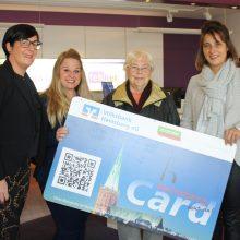 Überraschender Gewinn – Christel Herfs freut sich über Gewinn der HeinsbergCard